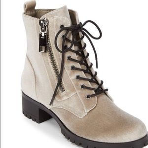 Dolce Vita Combat boot in Silver Velvet